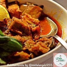 Gradite un assaggio di Caponata, il gustoso contorno siciliano con la melanzana protagonista? #italiaintavola #siciliaintavola #italy #italianfood #traditionalfood