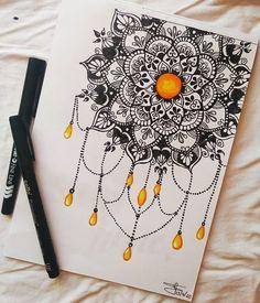 Easy Mandala Drawing, Mandala Art Lesson, Doodle Art Drawing, Mandala Artwork, Zentangle Drawings, Zentangles, Doodle Zen, Mandala Doodle, Art Drawings Sketches Simple