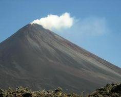 Insivumeh prohíbe ascenso al cráter del volcán Pacaya