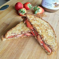 Grilled Strawberry Nutella Sandwich