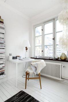 Trendy home inspiration white desk areas ideas Home Office Inspiration, Interior Inspiration, Inspiration Wall, Sunday Inspiration, Office Ideas, White Desks, White Rooms, White Bedroom, White Floorboards