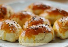 How to make the Labneli pastry? We also have 24 comments to give you ideas. Recipes, thousands of re Tea Time Snacks, Hard Bread, Food Porn, Greek Cooking, Turkish Recipes, Tasty Dishes, Brunch, Food And Drink, Cooking Recipes