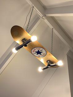 Custom made/painted skateboard light - Skateboard Furniture - Skater Girls Skateboard Lampe, Skateboard Light, Skateboard Room, Skateboard Furniture, Painted Skateboard, Vintage Bedroom Decor, Room Ideas Bedroom, Bedroom Décor, Geek Bedroom