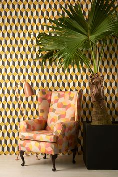 Delano wallpaper 105/7032 - Geometric II - Cole & Son (+ wallpaper on chair!)