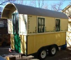 ideas home made camping trailer gypsy caravan for 2019 Gypsy Trailer, Gypsy Caravan, Gypsy Wagon, Build Your Own Shed, Gypsy Life, Gypsy Soul, Shepherds Hut, Diy Camper, Homemade Camper