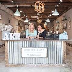 A/R Workshop Brings Trendy DIY to Waxhaw - Feeling crafty? Waxhaw's newest re. Boutique Decor, Boutique Interior, Boutique Design, Boutique Ideas, Boutique Store Displays, Boutique Stores, Retail Counter, Store Counter, Deco Restaurant