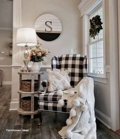 Buffalo check chair with side table. Modern farmhouse decor living room inspiration Buffalo check chair with side table. Modern Farmhouse Decor, Farmhouse Style, Farmhouse Ideas, Farmhouse Design, Rustic Farmhouse, Rustic Style, Farmhouse Kitchens, Rustic Modern, Home And Deco