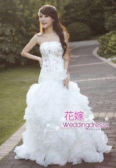 【楽天市場】花嫁ドレス ウエディングドレス ウェディングドレス 二次会 結婚式ドレス エンパイア プリンセスライン ラインストーン べアトップ ウエディングドレス:夢のセカイ