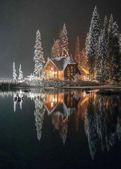 Emerald Lake lodge, Yoho National Park (B.) Emerald Lake lodge, Yoho National Park (B. Winter Szenen, Winter Time, Winter Christmas, Winter Cabin, Winter Night, Snow Cabin, Winter Season, Cozy Cabin, Hello Winter