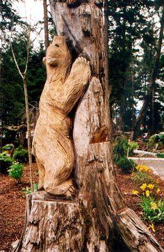 Animal Tree Carvings | Animal Bear AK Juneau Glacier Gardens Tree Carving DS 2001