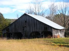 Dilapidated but pretty, Earlysville barn Charlottesville, Barn, House Styles, Pretty, Pictures, Home Decor, Photos, Converted Barn, Decoration Home