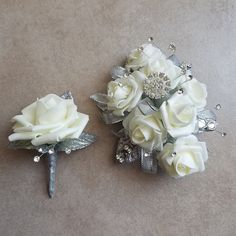 Proposal Ideas flowers Prom Corsage and Boutonniere Set Prom Corsage und Boutonniere Set Crosage Prom, Homecoming Flowers, Homecoming Corsage, Prom Flowers, Homecoming Proposal, Red Corsages, Flower Corsage, Prom Essentials, Prom Photography Poses