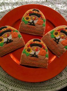 Piligrim Turkey | Cookie Connection Turkey Cookies, Fall Cookies, Cookie Decorating, Decorating Tips, Thanksgiving Cookies, Royal Icing, Pilgrim, Biscotti, Sugar Cookies