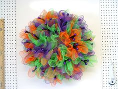 halloween-ruffle-wreath-mesh-finished
