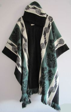 Poncho with Hood Wool Green Coat Mens Cape Indigenous Navajo Hopi - Handmade in Ecuador Women's Capes & Ponchos, Mens Poncho, Bohemian Men, Green Coat, Mens Fashion, Fashion Outfits, Swagg, Unisex, Poses