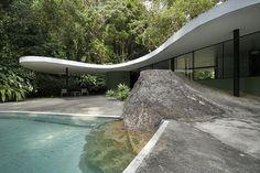 Casa em São Conrado 1950. Arquitetura moderna. Pin adicionado por ConceptCasa.com.br