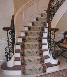 Stylish stair carpet ideas and inspiration. So you can choose the best carpet for stairs.Quality rug for stairs, stairway carpets type, etc. Best Carpet For Stairs, Stairway Carpet, Staircase Carpet Runner, Carpet Stair Treads, Hallway Carpet Runners, Carpet Stairs, Stair Runners, Wall Carpet, Diy Carpet