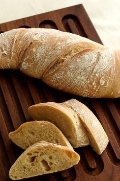Aromatisches Wurzelbrot Rezept mit Dinkel und langer, kalter Führung. Mehr Brot Rezepte auf dem Foodblog Bäckerina - Backen lieben und genießen.