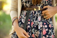 Cute floral printed dress, cute rings, cute belt, everything about this is cute!