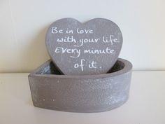 """Hartdoosje """"Be in love"""", 12 cm in de kleur taupe  www.hkhomecollection.nl"""