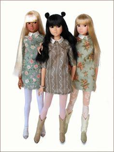 Love these adorable mini dresses for Momoko!