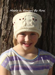 Whooooooo... loves owls... this headband/earwarmer is from Made In Kansas By Rosi, on facebook.
