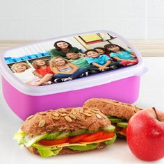 Met een persoonlijke broodtrommel denkt de juf iedere lunch nog aan jou!