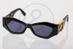 Image of Gianni Versace Mod.421/B :: Vintage Sunglasses