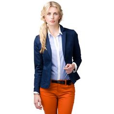 The Lenny blazer is an essential piece in your wardrobe for the warmer months. Add your favourite pair of matching Lenny chinos for the perfectly preppy look. This cotton twill blazer has a two-button placket, a notched lapel and patch pockets at the waist. Fully constructed and lined. Our model is 1,76m tall and is wearing a size S Tommy Hilfiger blazer.