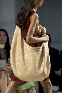 Best 100 Handbags Of Spring 2020 RTW Fashion Shows | The Impression