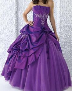 Don't like the ruffled top of the dress but it's cute otherwise....