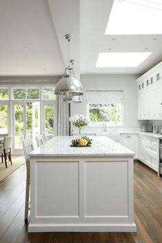22 Trendy kitchen remodel white and grey granite Kitchen Island Bench, New Kitchen Cabinets, Wall Cabinets, Small Kitchen With Island, Granite Kitchen, Shaker Style Kitchens, Home Kitchens, Shaker Kitchen, Kitchen White