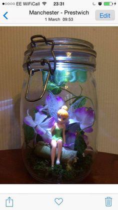 Fairy in a Jar with nightlight by GiftsandDesigns on Etsy Mason Jar Projects, Mason Jar Crafts, Mason Jar Diy, Bottle Crafts, Fairy Crafts, Fun Crafts, Diy And Crafts, Fairy Lanterns, Fairy Lights