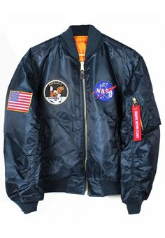 Looking for Bomber Jacket Apollo 11 NASA ? Check out our picks for the Bomber Jacket Apollo 11 NASA from the popular stores - all in one. Blouson Vintage, Nasa Bomber Jacket, Nasa Clothes, Men Coat, Apollo 11, Moda Emo, Jacket Style, Sweatshirt, Leather Jacket