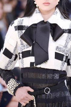 Chanel at Paris Fall 2016 (Details)