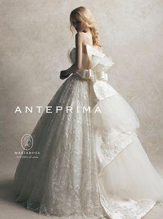 アクア・グラツィエがセレクトした、ANTEPRIMA(アンテプリマ)のウェディングドレス、ANT1005をご紹介いたします。