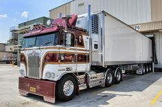 Cabover - Private owners rebuilt 1980 Kenworth semi truck with refrigerated trailer
