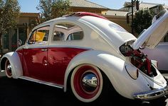 Sweet Oval VW Beetle White and red white wall tires Vw Bus, Vw Volkswagen, German Look, Combi T1, Kdf Wagen, Vw Vintage, Vw Beetles, Custom Cars, Cool Cars