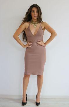 Vestido Eiza . Consíguelo en una de nuestra 3 sucursales en GDL o pídelo por medio de whatsapp al 3316044531 ♥