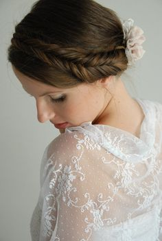 White lace shrug for bride with 4 wearing options by noavider, $45.00