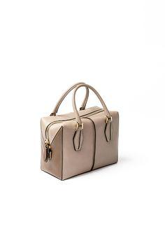 フォルムがかわいい、TOD'Sの新作バッグ