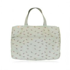 Lauren Conrad launches Blue Avocado XO(eco)™, the first celebrity eco-friendly designed make-up bags, travel accessories and food on the go line made from Repreve recycled fibers. (aka plastic bottles) http://www.missfashionnews.com/2012/07/21/xoeco-friendly-lauren-conrad/