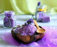 Ideas Bath Salts Homemade Lavender Coconut Oil For 2019 Rustic Bathtubs, Bath Salts Recipe, Lavender Bath Salts, Natural Air Freshener, Bath Detox, Bath Art, Aromatherapy Recipes, No Salt Recipes, Food Art