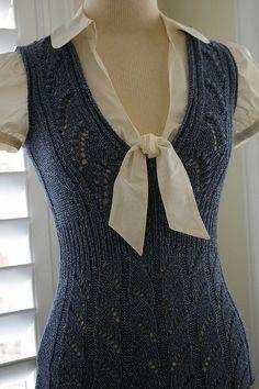 Bonsai Knit Vest made by Larisa on Ravelry (design: Norah Gaughan) Pattern at… Loom Knitting, Hand Knitting, Beginner Knitting, Crochet Clothes, Diy Clothes, Knitting Designs, Knitting Patterns, Handgestrickte Pullover, Elegantes Outfit