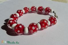 Piros alapon fehér pöttyös lámpagyöngy karkötő (jannaja) - Meska.hu Beaded Bracelets, Diy, Jewelry, Jewlery, Bricolage, Jewels, Jewerly, Jewelery, Do It Yourself