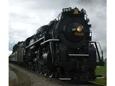 One of the few steam engines still in operation chugged back through Altoona on it's way to Pittsburgh. 765 is based in Fort Wayne Indiana.