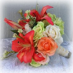 Green - Tiger Lily Bouquet - Wedding Flowers | Perfect Wedding Guide