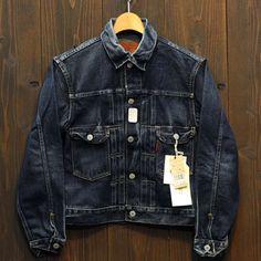 Casual Clothes For Men Over 50, Vintage Jeans, Vintage Outfits, Levi Denim Jacket, Japanese Denim, Raw Denim, Jean Shirts, Gentleman Style, Mode Style