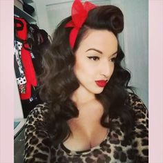Pinup Fashion: Rockabilly hairstyle with red hair scarf