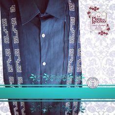 Jovencita Guayabera ideal para combinar con jeans o con lo que tú quieras! Más información al (999)924.88.21